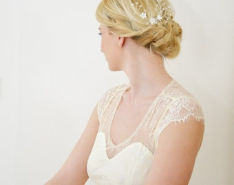 "Floral bridal hair comb ""Cherry Twigs"""