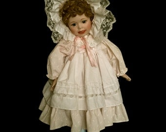 Beautiful Porcelain Baby Doll      VG2343