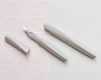 Pelikan Fountain pen, Jungle grey ink pen, gray pen, left handers, right handers, German stationery