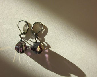 irredescent faceted drop earring with silver clasp