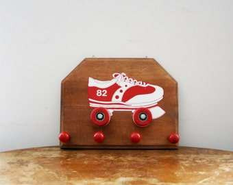 vintage 70s Red & White Roller Derby Skate Wall Hanging Jewelry Rack // Retro Clothing Hanger // Roller Skating Decor