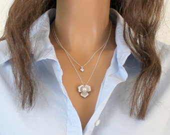 Silver Magnolia Necklace, Bridesmaid Gift, Mothers Necklace, Magnolia Jewelry, Flower Charm, Dainty Everyday Necklace Mother's Day Gift