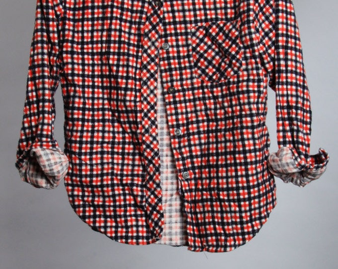 Small Vintage Fitted Flannel Size Medium | Red Vtg Printed Cozy Flannel | 6BB