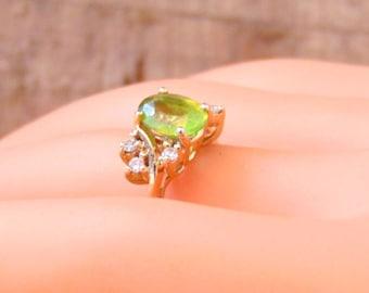 Vintage Peridot and Diamond 14K Ring, 2 Carats, Yellow gold, August Birhstone