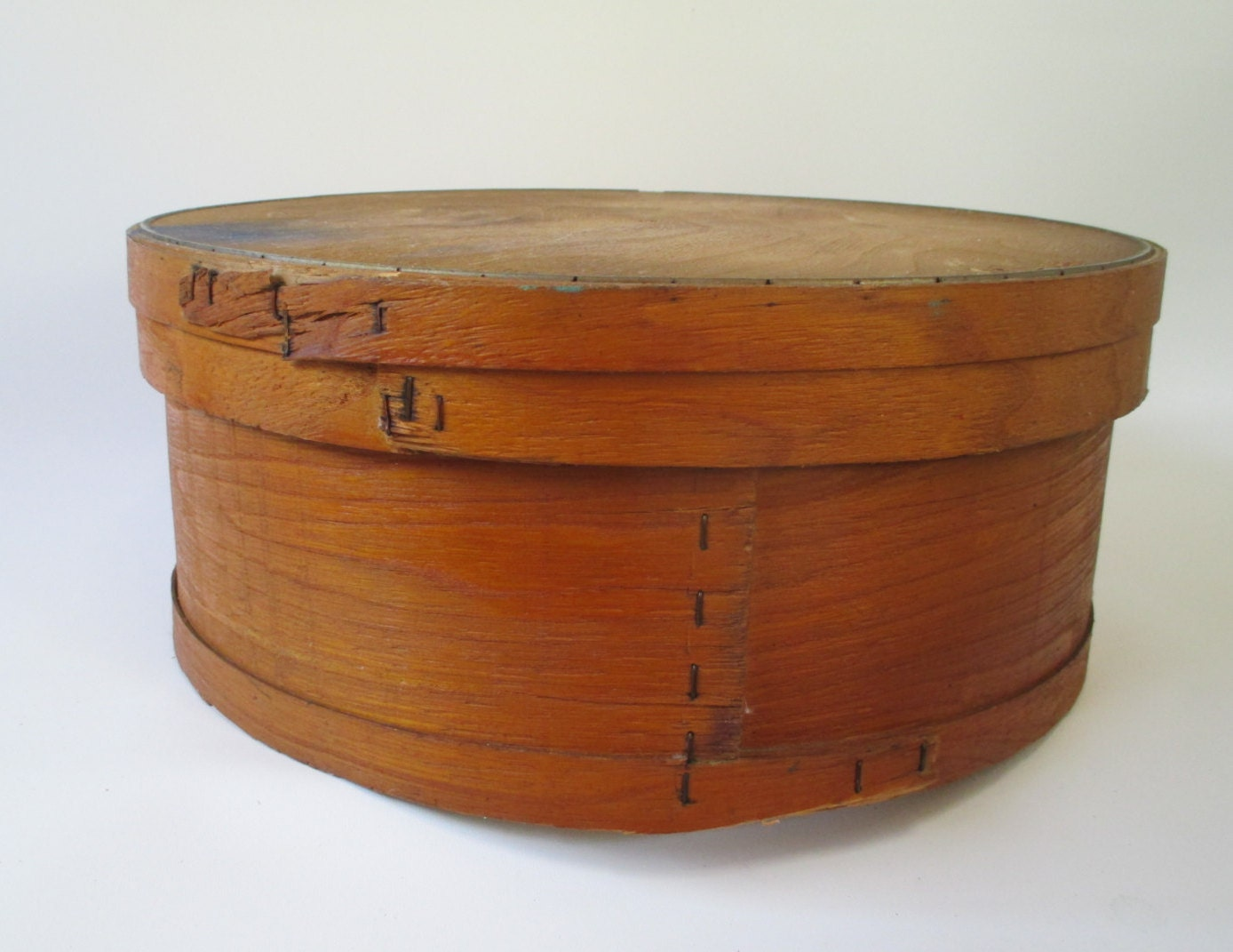 round cheese box vintage cheese wheel wood with lid cheese. Black Bedroom Furniture Sets. Home Design Ideas