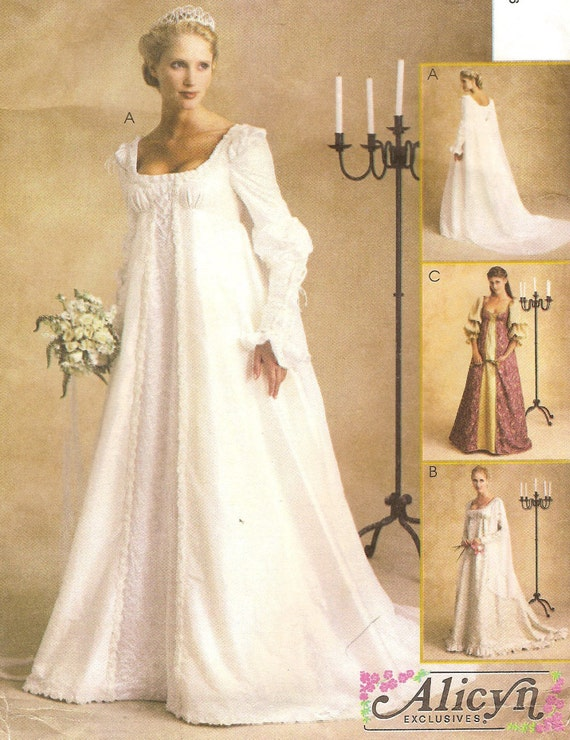 Renaissance bridal gown plus size 20 22 24 or misses 12 14 for Wedding dress patterns plus size