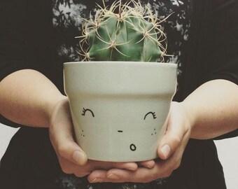 smiling flowerpot - MARIE