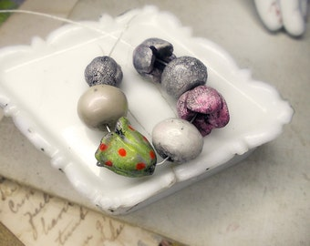 Polymer Clay Beads - 7 Rustic Beads - Chunky Focals - Rounds & Flower Pods - Forgotten Garden - Grey, Rose, Polka Dots - White ROndelles