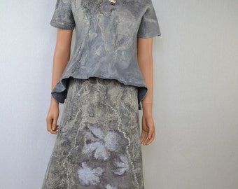 Beautiful bluse   and skirt   in wool and silk felt grey