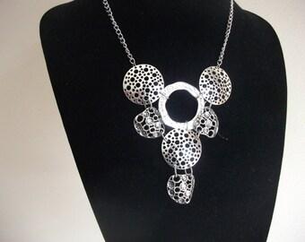 Modern silver circles bib necklace
