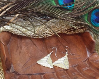 Pick the color peyote triangle earrings, 2-3 colors, with or without edging