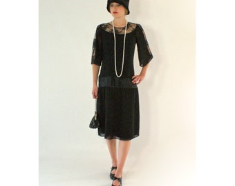 Black 1920s chiffon and lace dress, elbow-length sleeves, Great Gatsby dress, Halloween Gatsby dress, black flapper dress, robe Charleston
