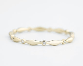 Thin wedding band diamond eternity ring in 14k 18k yellow gold rose gold white gold Platinum pt950, Simple Dainty Skinny Elegant band w-r104