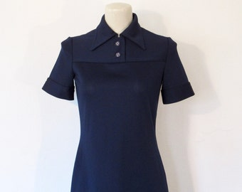 Vintage 1960s Kimberly / Mod Navy Blue Short Sleeve Skimmer Shift / Fitted Dress