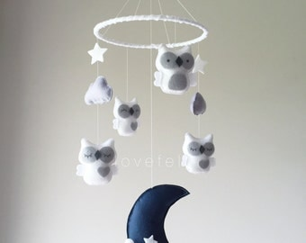 Baby Mobile - Owl mobile - white and gray mobile - baby mobile owl - mobile owls - neutral mobile