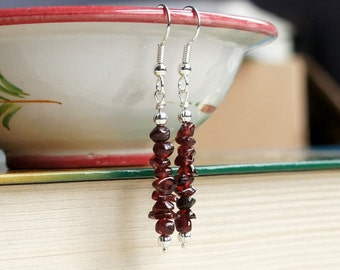 Garnet Earrings, Stack Earrings, January Birthstone Earrings, Gemstone Earrings, Red Earrings, Natural Garnet, Garnet Chips Earrings