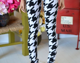 Houndstooth leggings for Minifee, unoa, and similar sized MSD BJDs