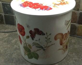 Metal floral cannister