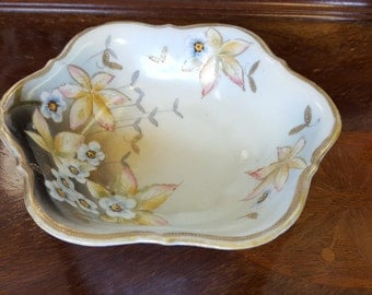 Flowers and Bees Bowl