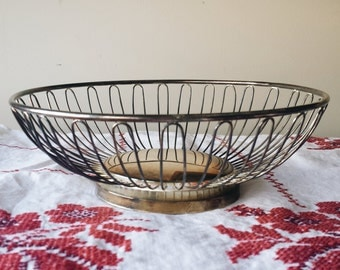 Silver Plate Wire Basket. Silver Plate Fruit Basket. Silver Plate Bread Basket.