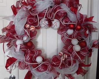 Extra Large Red and White Christmas Wreath, Candy Cane Striped Wreath, Holiday Wreath, Christmas Wreath, Deco mesh Wreath, Door Decor