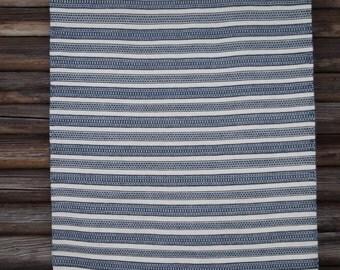 loom-woven wool blanket