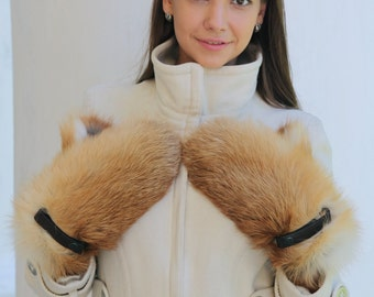 Warm fox fur and leather mittens