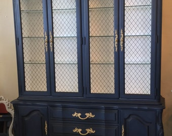 Stunning Thomasville French Provincial Hutch China Cabinet