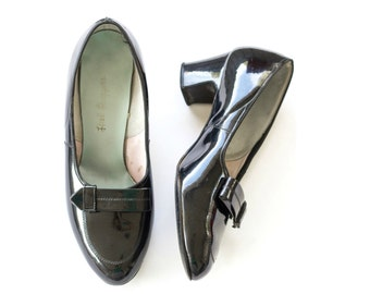 1960s black patent leather chunky heel pumps SIZE 6 1/2