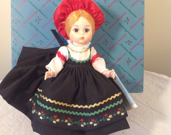 Vintage Madame Alexander Finland doll with box! International series doll