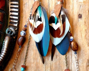Parrot cruelty free feathers earrings! Handemade with love by Xtazik creations