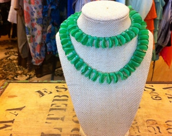 Green odd-shaped beaded necklace