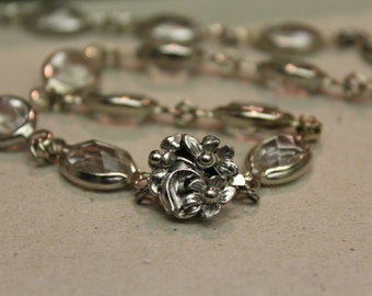 Beautiful vintage silver necklace