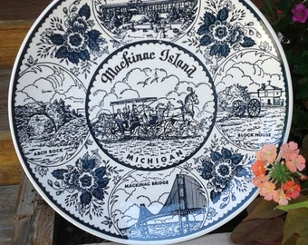 Vintage Blue and White MACKINAC ISLAND, MICHIGAN Souvenir State Plate