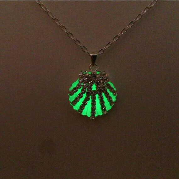 mermaid necklace seashell necklace by bespokeinnadesign