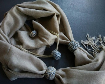 Jewelry BOWLS, scarves, necklaces rings for a warm and elegant autumn