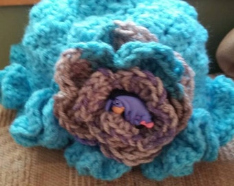 Textured ruffle flowered hat