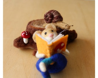 Needle felted mouse, Felted mice, Needle felting white mouse, Mouse in the woods, reading a book, Needle felted snail, Needle felted stump