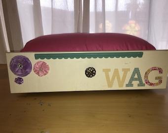 "Dog Bed ""WAG"""