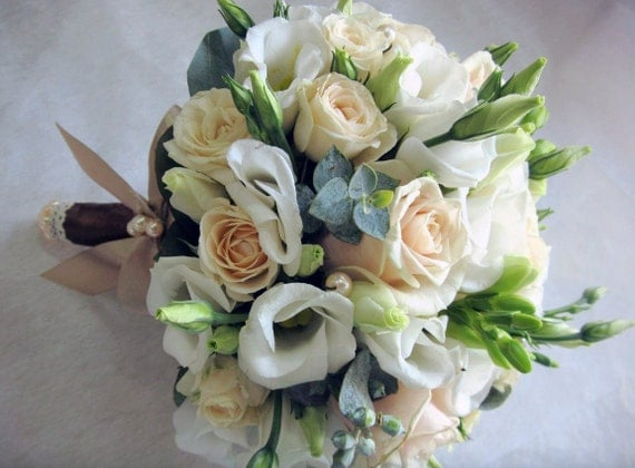 white freesia flower wedding bouquet flower bouquet freesia. Black Bedroom Furniture Sets. Home Design Ideas