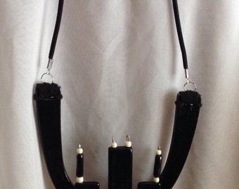 Unique collar Tyra