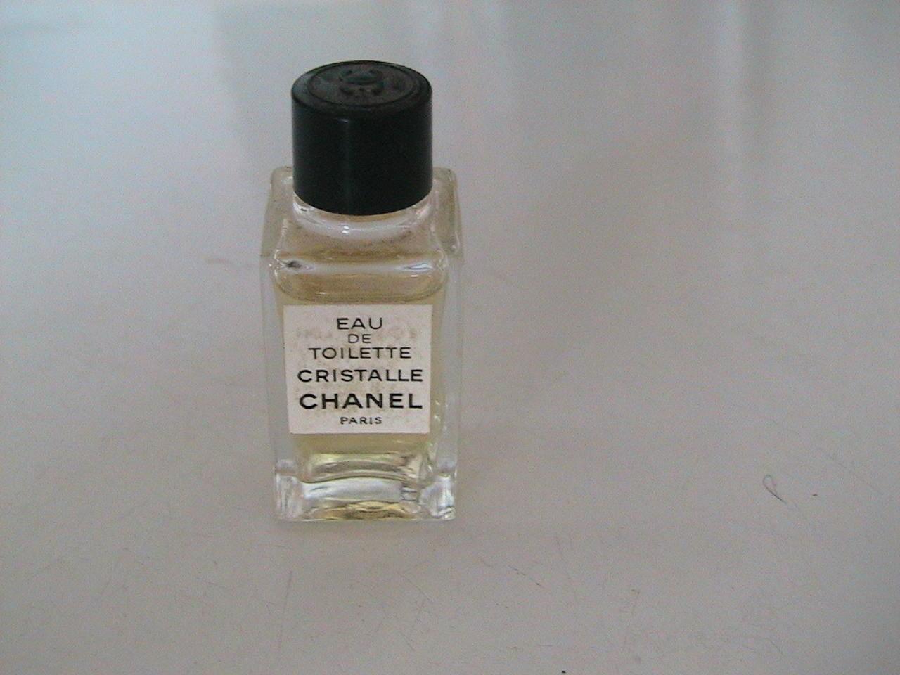 chanel vintage eau de toilette mini small bottle retro. Black Bedroom Furniture Sets. Home Design Ideas