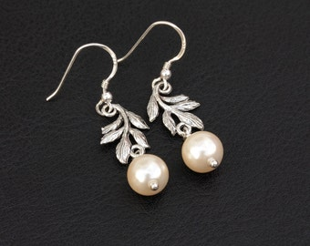 Ivory Pearl Antique Silver Leaf Earrings / 925 Sterling Silver / Vintage Style / Nature Inspired / Wedding Bridal Bridesmaids Jewelry