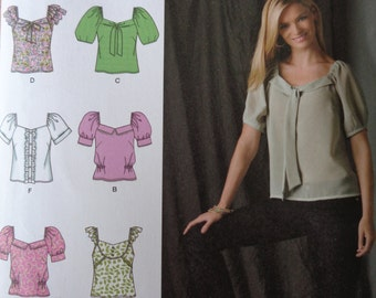 Simplicity Pattern 2697 Misses Top Size 14-22