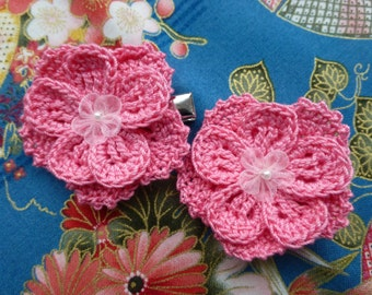 Pair of double-layered 5-petal crochet flower clips (Pink)