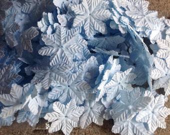 500 Snowflake Petals - Light Blue Snowflakes