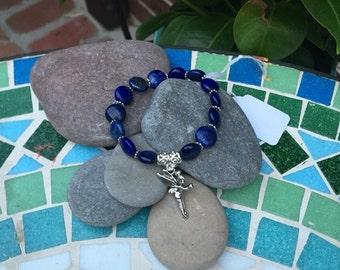 Little girl's lapis bead bracelet