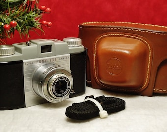 Vintage KODAK PONY 135 Viewfinder 35mm Film Camera, 51mm f/4.5 Anaston Lens, Circa: 1950 - 1954 Incredibly Nice!