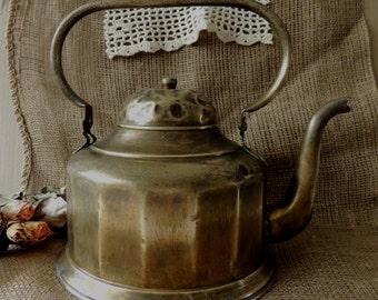 Vintage Kettle, Brass Copper Kettle, Rustic Kettle Teapot, Primitive Rustic Vintage Home Country Cottage Kitchen Decor Decoration Ornament