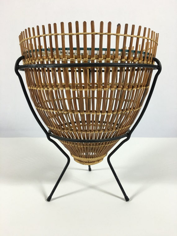 Vintage Wrought Iron Fish Basket Small Side Table, Small End Table, Round  Side Table, Round End Table, Glass Side Table, Occasional Table